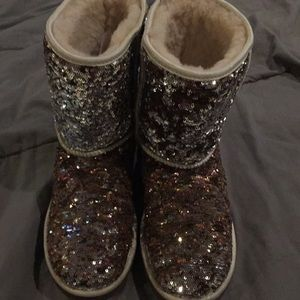 Uggs sequined boots only worn a few time!